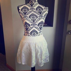 White Lace Stretch Waist Mini Skirt